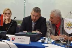 zľava: Denisa Saková - ministerka vnútra SR, Peter Pellegrini - predseda vlády SR, Viktor Kiss - predseda OZP v SR