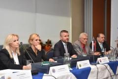 zľava: Jana Maškarová - 1. viceprezidentka PZ, Denisa Saková - ministerka vnútra SR, Peter Pellegrini - predseda vlády SR, Viktor Kiss - predseda OZP v SR, Roman Laco - podpredseda OZP v SR